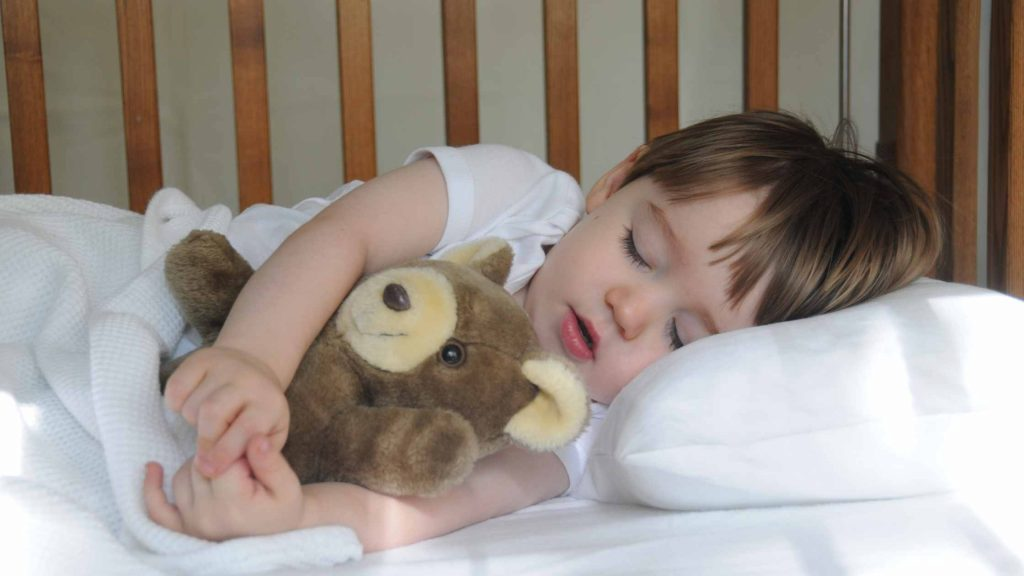Transitioning from Cot to Big Bed – Top Tips!